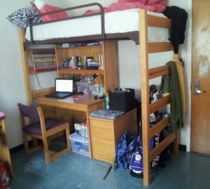 clean dorm rume